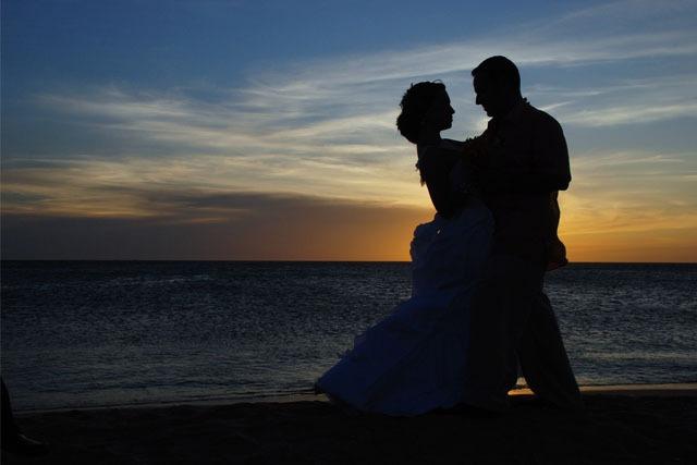 _0000_couple-1427863_1920
